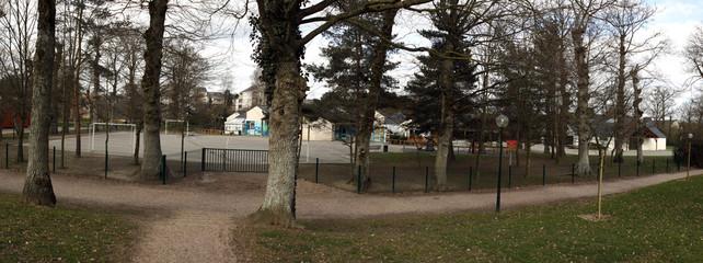 cour d'école et espaces verts