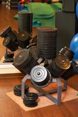 Gewichte im Fitnessstudio
