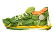 Leinwanddruck Bild - turnschuh salat