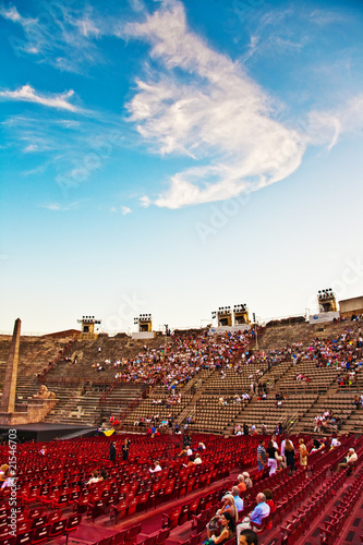 people waiting for the opening  in the arena of verona