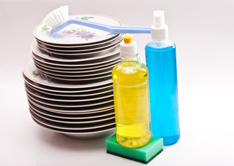 Plates, brush,dishwashing detergent