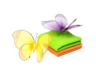 Pano e borboletas isolado no fundo branco