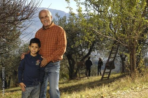 in campagna con la famiglia