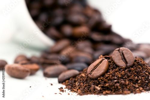 Foto op Canvas Cafe Café en grains et moulu
