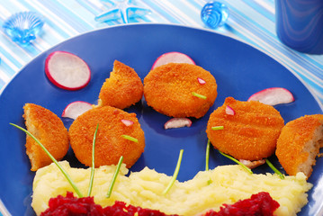 dinner for child with fishcakes