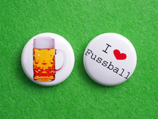 2 Buttons Macro - I love Fussball & Beer
