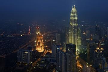 Petronas Towers bei Nacht, Kuala Lumpur, Malaysia