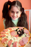 Pretty girl propose pizza