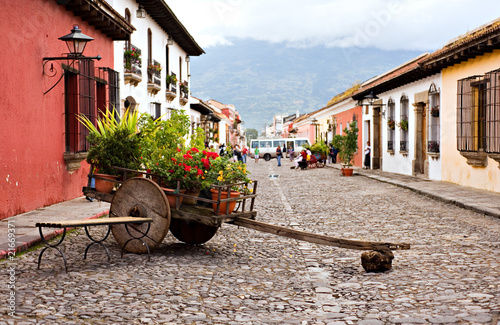 Fotobehang Centraal-Amerika Landen Wheelbarrow of Antigua