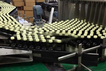 Abfüllanlage Flaschenabfüllung Schraubverschluss Wein