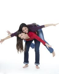 deux jeunes femmes envoler