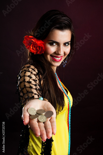 gypsy woman offer money