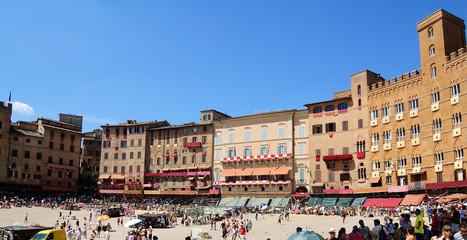 Piazze di Italia: Siena prima del Palio