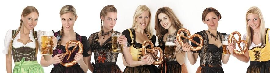 oktoberfest Gruppe Frauen im Dirndl
