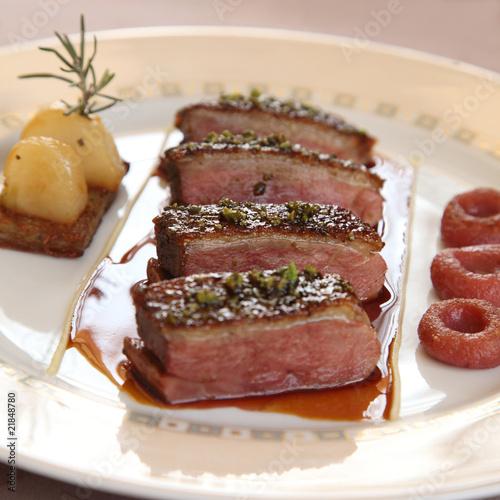 Papier peint cuisine gastronomique: magret de canard rôti - canard ...