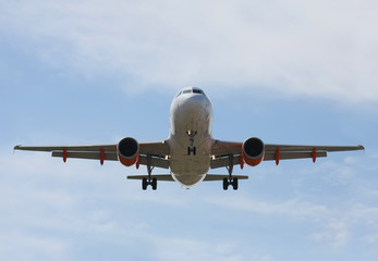 Airliner Makes its Landing Approach