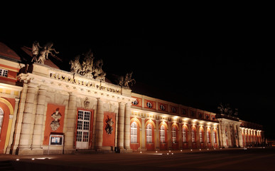 Marstall bei Nacht schraeg 3 (Filmmuseum Potsdam)