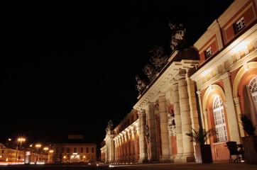 Marstall bei Nacht schräg 4 (Filmmuseum Potsdam)