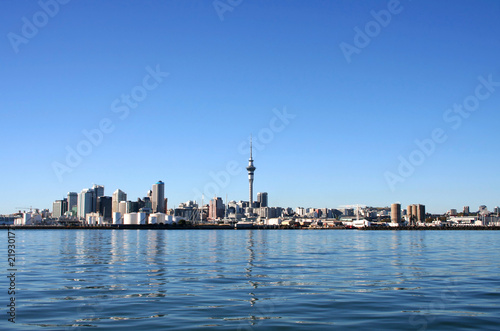 Tuinposter Nieuw Zeeland Auckland City, New Zealand on a clear sunny morning