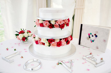 Wedding cake and adornments