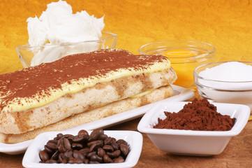 Tiramisù cake and its ingredients