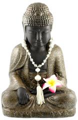 bouddha, collier perles, fleur frangipanier, fond blanc