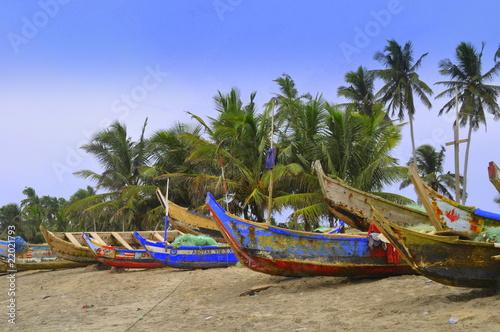 Leinwanddruck Bild Bunt bemalte Fischerboote