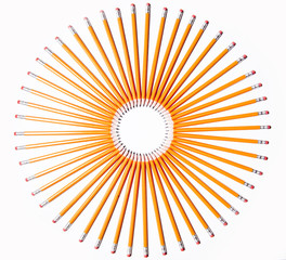 all pencils pointing to the center of the circle
