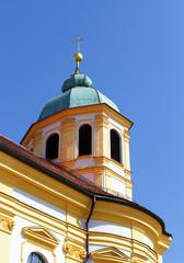 Kirche mit blauem Himmel - Church and blue Sky