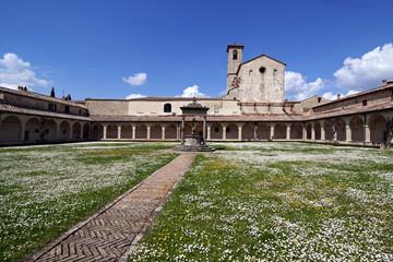 Chiostro della Certosa di Pontignano (SI)