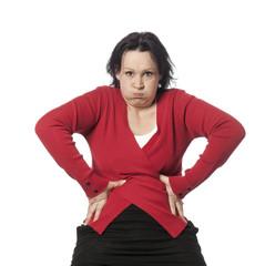 jeune femme soufflant prise de poids