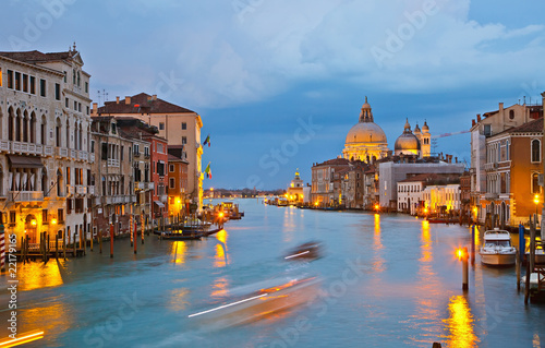 Grand canal at evening - 22179165