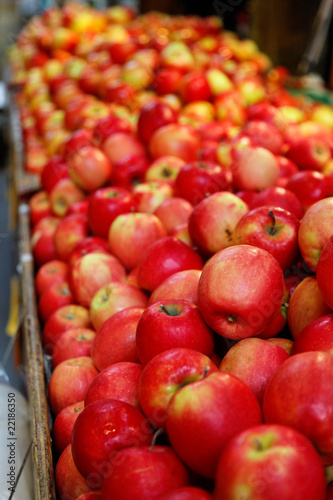 Delicious apples display