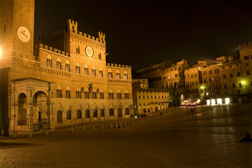 Siena - Town-hall and Piazza del Campo in the night