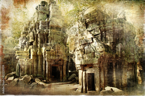 hiden khmer' temple - remains of ancient civilisation