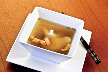 bowl of wonton soup