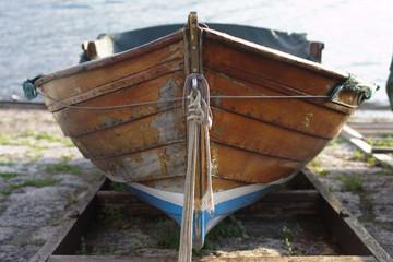 barca da pesca in legno