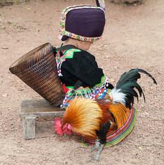 Hmong Mädchen in traditioneller Kleidung