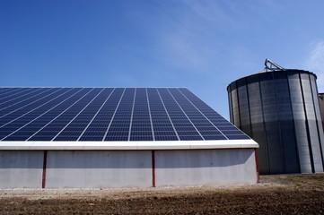 Ferme solaire, centrale solaire, agriculture durable
