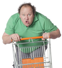 homme obèse frénésie d'achat au supermarché