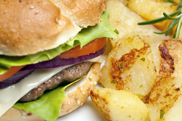 Hamburger with roasted potatoes