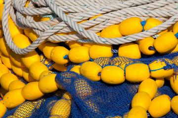 pêche filet pêcheur poisson marin port bretagne bouée cordage ba