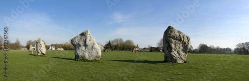 avebury stone circle wiltshire