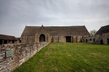 Middle Littleton Tithe Barn
