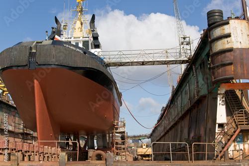 Leinwanddruck Bild Trockendock, Werft, Hamburger Hafen