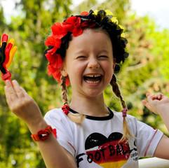 kleines Mädchen Deutschland Fan der Fußball WM