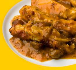 Hühnerbraten mit Kastanien und Rahmsoße,überbacken