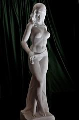 Donna marmorea