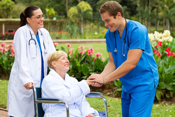patient thanking nurse