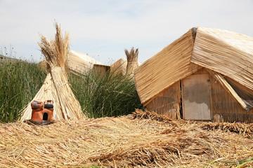 hut in lake Titicaca